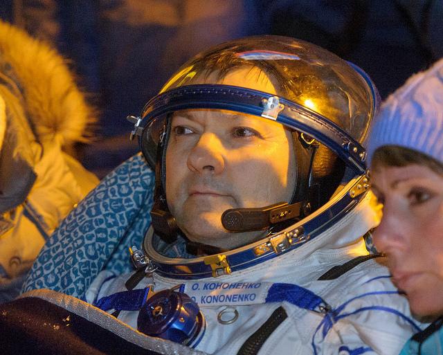 Oleg Kononenko-atterrissage-soyouz-tma-17M