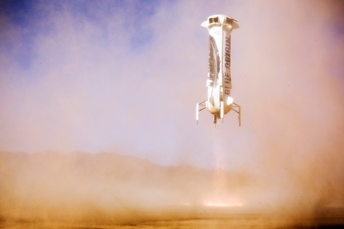 2e atterrissage réussi du lanceur New Shepard de Blue Origin le 22/01/16 (credit Blue Origin)