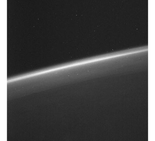 Image de la Terre, son atmosphère et d'étoiles, à partir des données des senseurs stellaires de Lisa PAthfinder (credits ESA/LPF/Airbus-DS; Acknowledgement to J. Grzymisch & M. Watt)