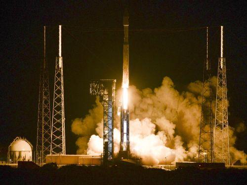 Décollage d'Atlas 5 emportant le cargo Cygnus OA-6 (credit Craig Bailey / Florida Today)