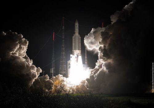 Lancement VA 229 d'Ariane 5 du 09/03/2016 mettant sur orbite Eutelsat 65 West A (credits CGS/Arianespace/CNES/ESA)