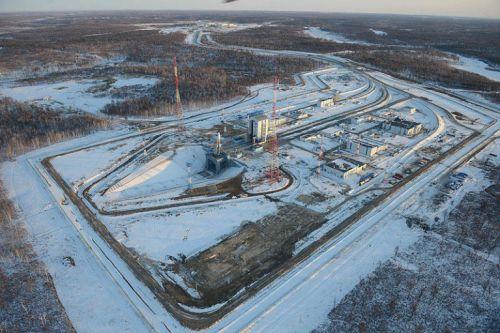 Le cosmodrome de Vostochny et le premier lanceur Soyouz sur le pas de tir (source Russianspaceweb)