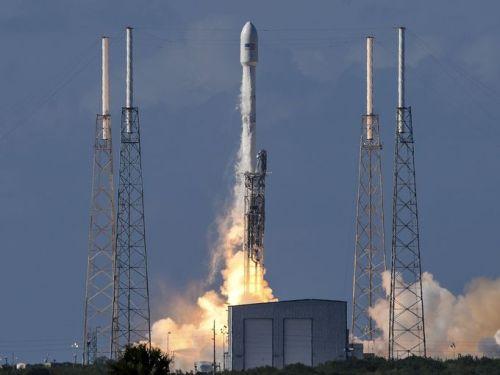 Lancement de Thaicom 8 par une Falcon 9 le 27/05/2016 (Credit Craig Bailey / Florida Today)