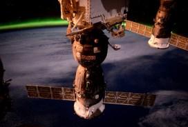 Le Soyouz TMA-19M photographié le 26/04/2016 par Tim Peake (credit NASA/ESA)