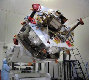 Intérieur du satellite Juno (credit NASA / JPL-Caltech / KSC)