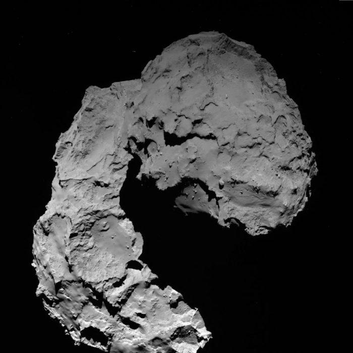 Photo prise le 29/09/2016 à 11h49 GMT par Rosetta à 22,9 km de la comète 67P/Churyumov–Gerasimenko. (©ESA/Rosetta/MPS for OSIRIS Team MPS/UPD/LAM/IAA/SSO/INTA/UPM/DASP/IDA)