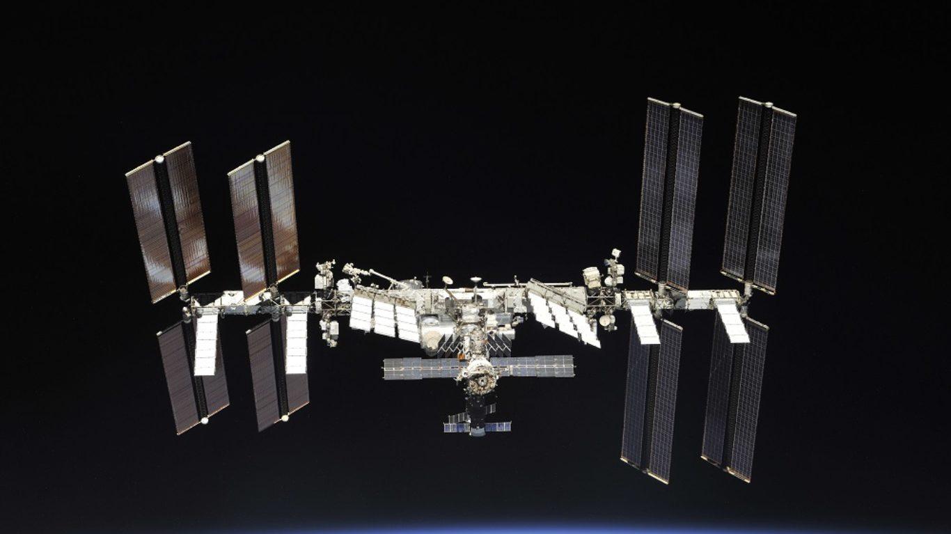 cropped-ISS-soyouz-ms08-1b.jpg
