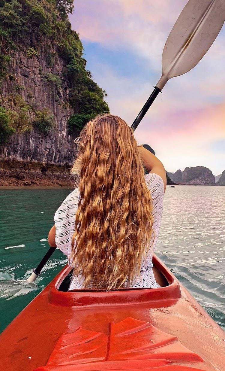 Thú vui kayaking trên vịnh