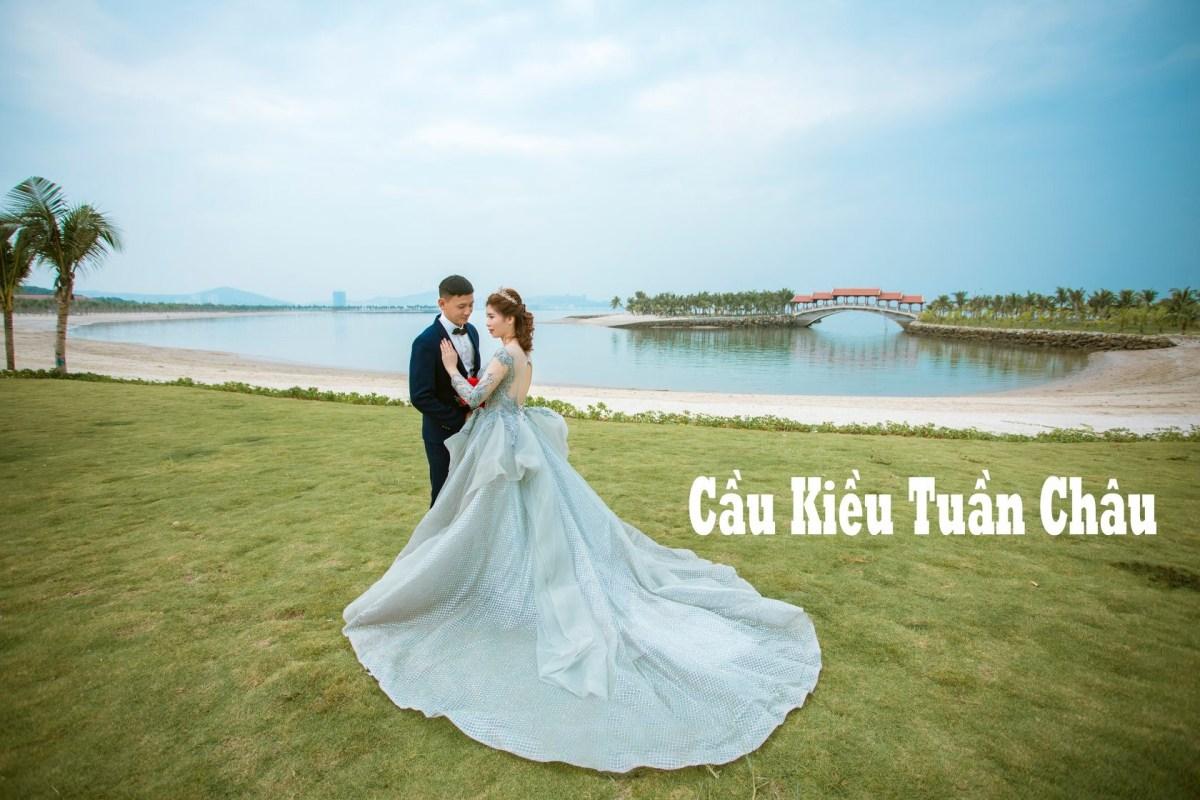 Cặp đôi chụp ảnh cưới tại Cầu Kiều Đảo Tuần Châu