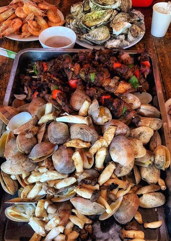 Món ăn phong phú trên đảo Tự Do Freedom Island