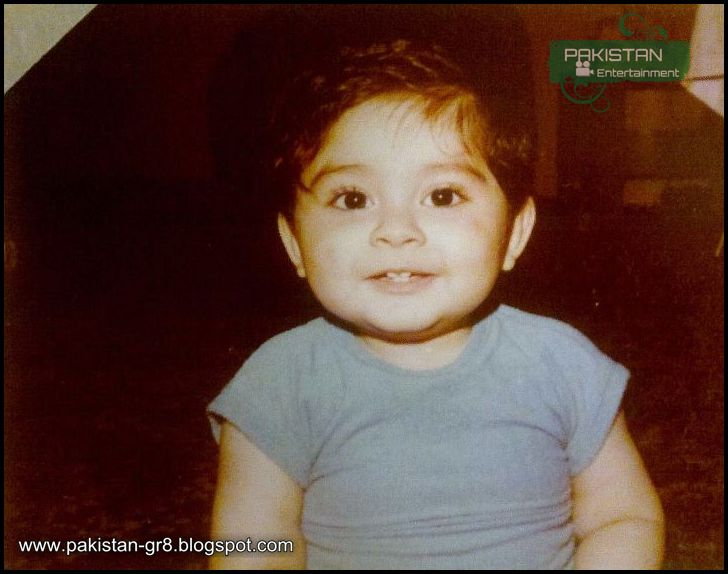 Childhood Pictures of Pakistani Celebrities  Reviewitpk