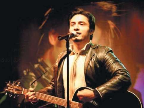 Ali Zafar Expresses His Happiness After Performing In Karachi