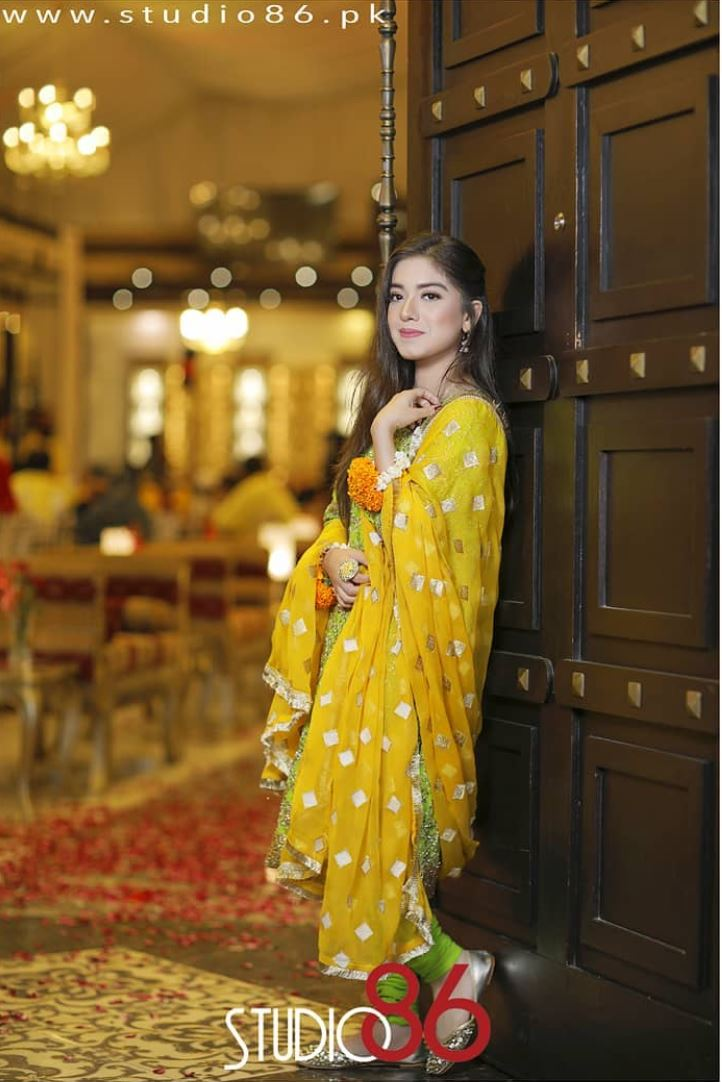 Sara Razi Khan MayounMehndi  Pictures  Reviewitpk