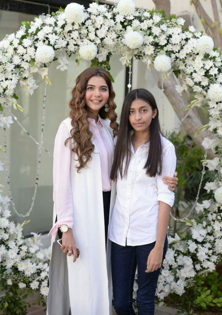 Nida Yasir Spends Time With Kids Reviewit Pk