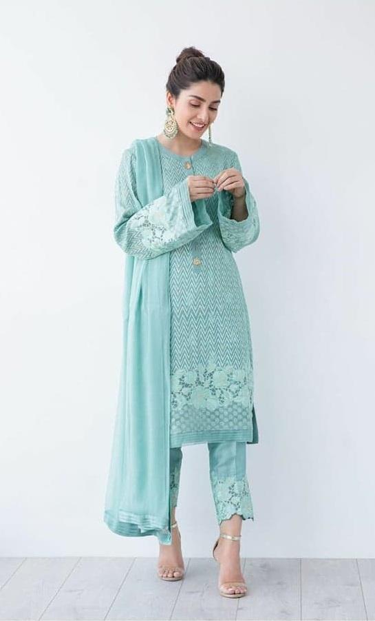 Ayeza Khan 4 5