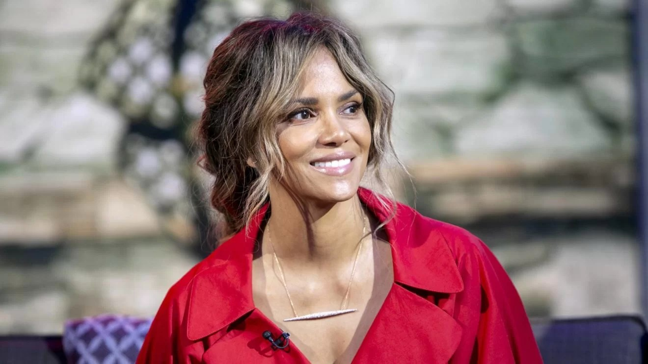 Himalaya Halle Halle Berry Shared Her Beauty Products She Will Use This New Year | Review Mentor