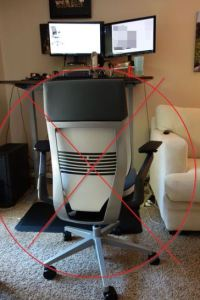 Which is Better, Using an Ergonomic Chair or a Standing Desk?