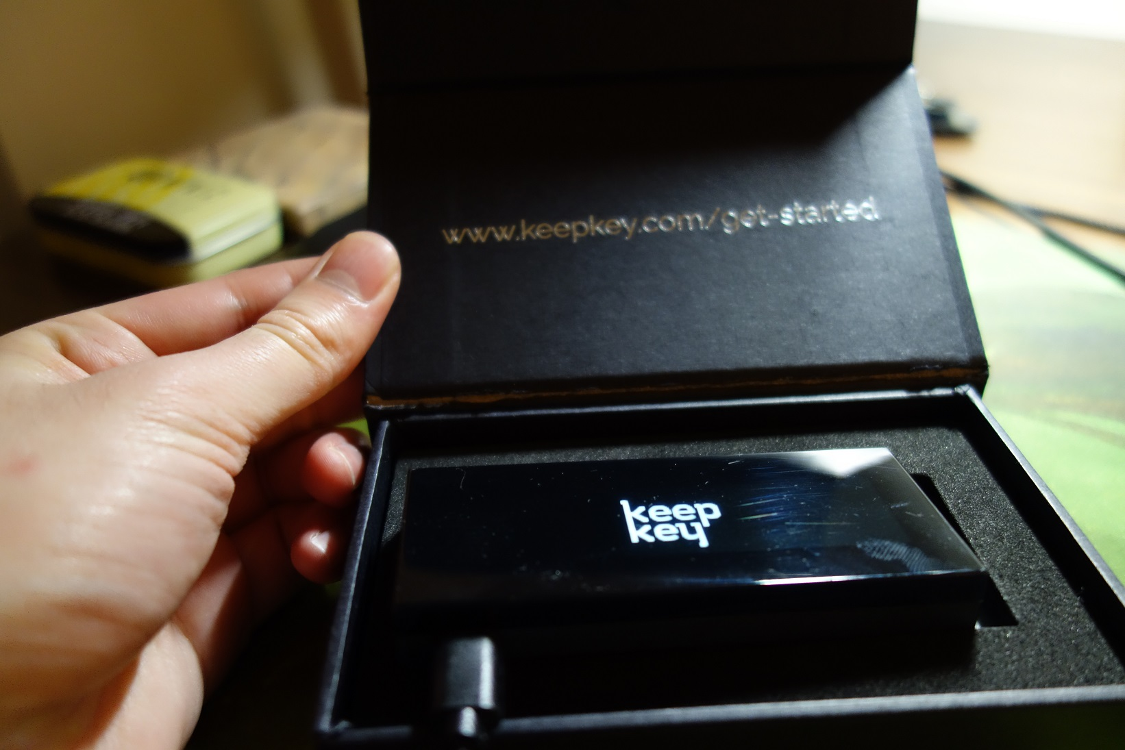 KeepKey Review - Better than the Trezor?