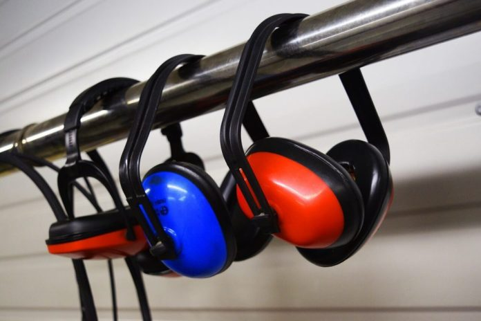 How to Preserve Your Hearing in a Noisy Work Environment 1