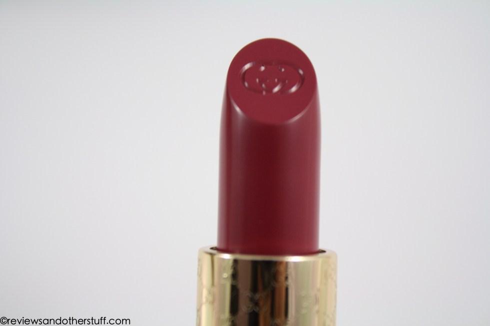 gucci moisture rich lipstick in violet jasper color