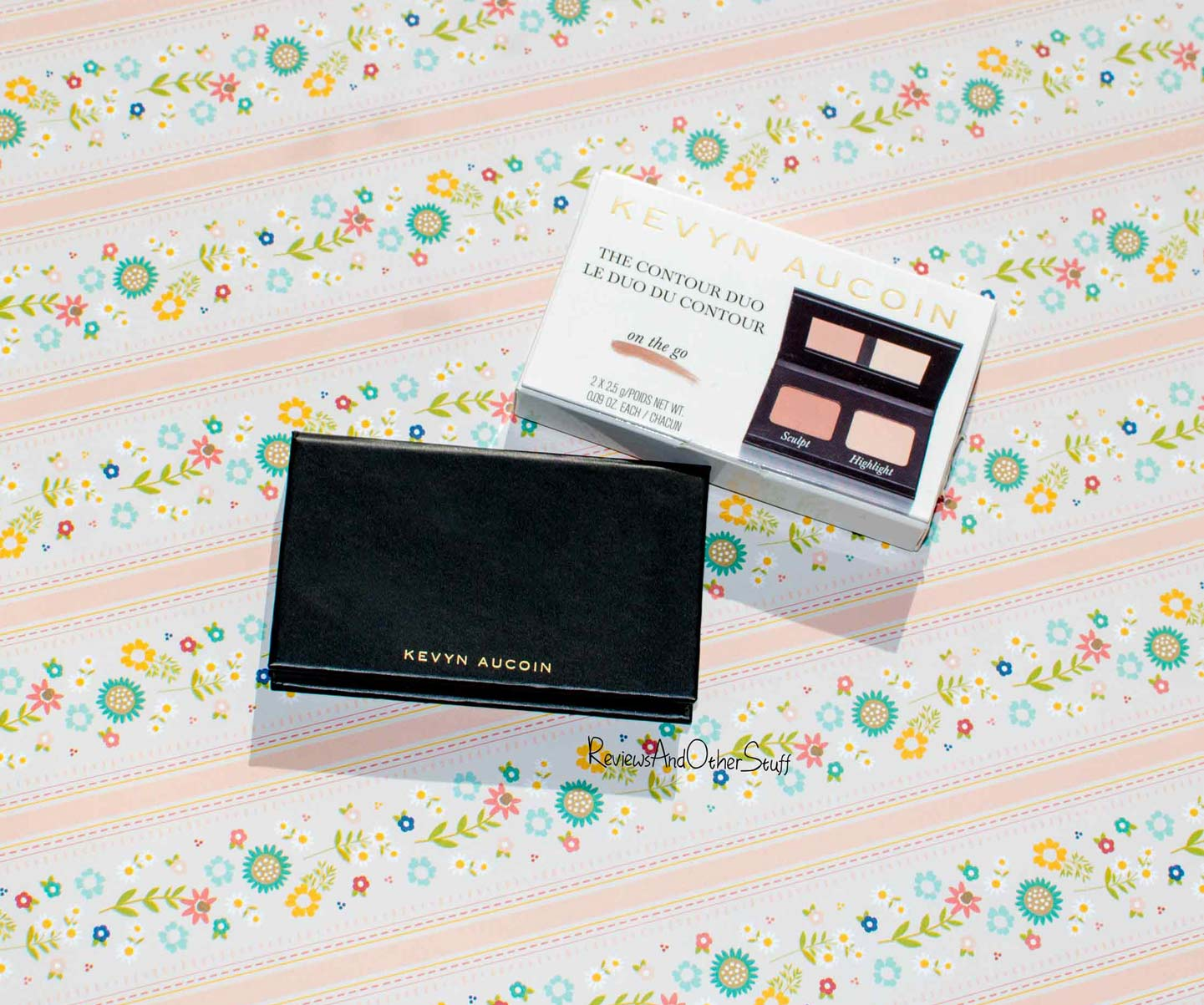I've Got An Exciting Contouring Product To Introduce To You All The Kevyn  Aucoin Contour Duo On The Go It's A Little Contouringpact That's Great  For