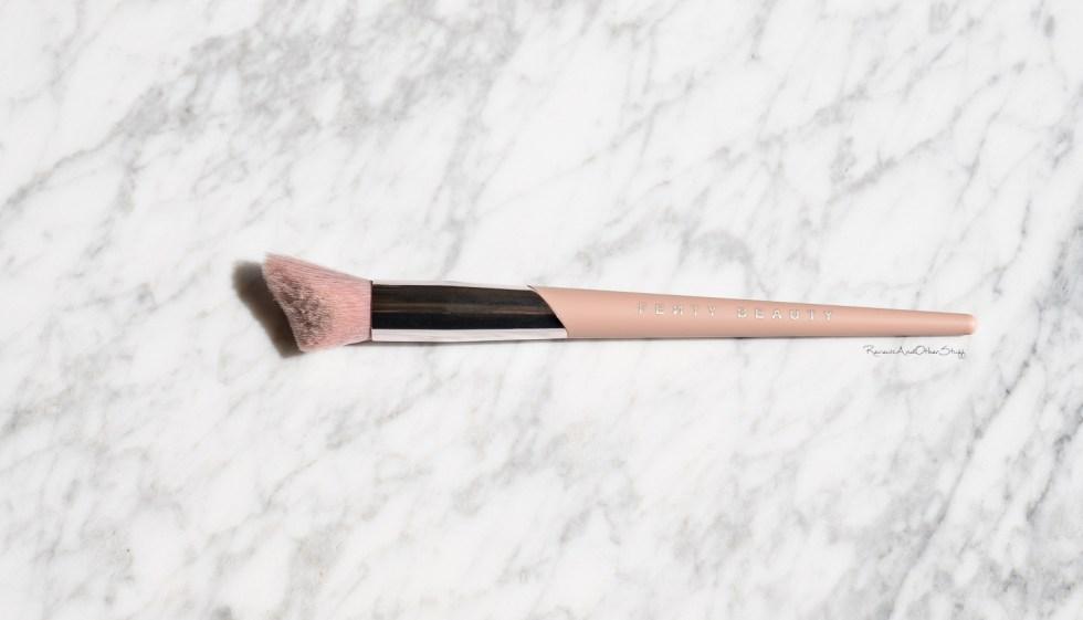 fenty Cheek-Hugging Highlight Brush 120