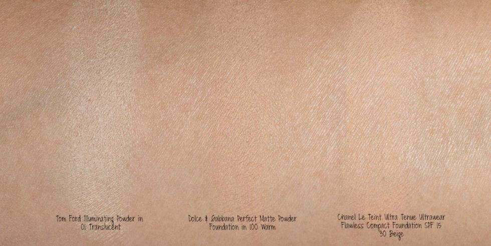 Chanel Le Teint Ultra Tenue Ultrawear Flawless Compact Foundation SPF 15 in 30 Beige swatch