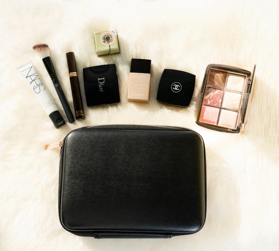 The Voyage Makeup Travel Case review