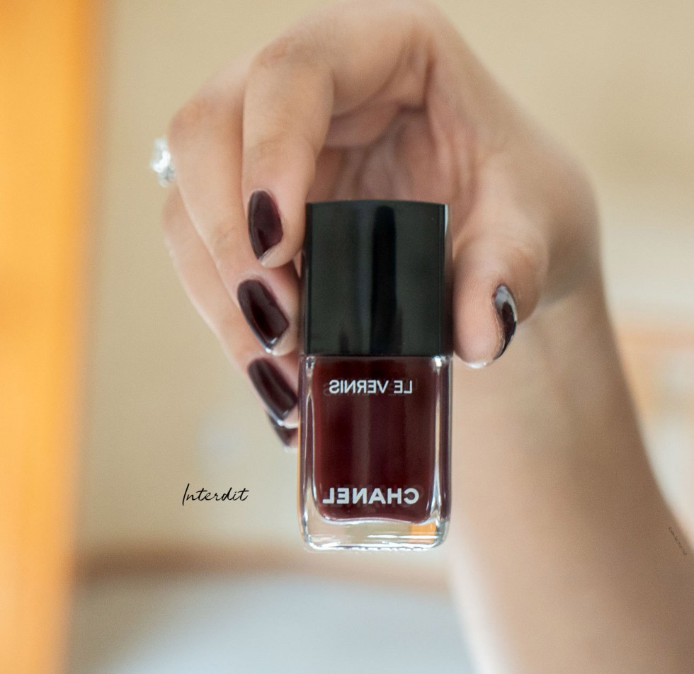 Chanel Le Vernis Longwear Nail Color in Interdit