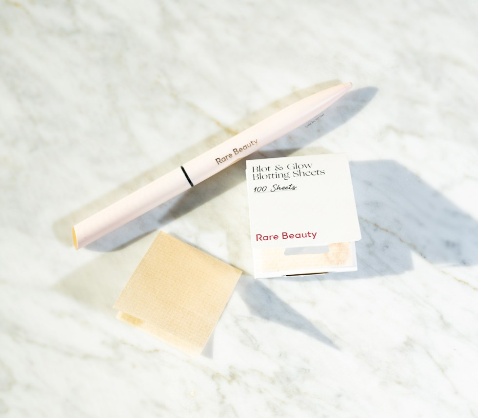 Rare Beauty Blotting paper