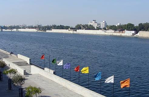 Ahmedabad Riverfront Review: Things to do in Sabarmati Riverfront Park - Best Park In Ahmedabad