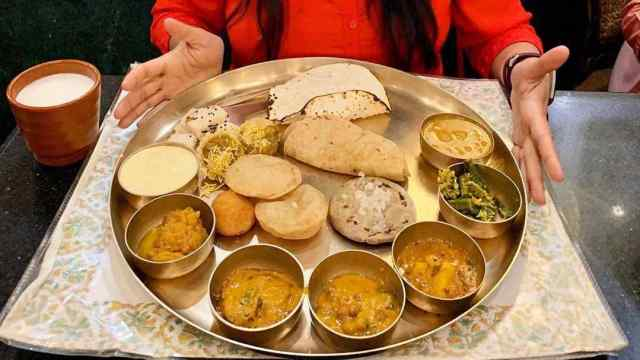 Outstanding Top 5 Unlimited GUJARATI THALI in Ahmedabad for 2021