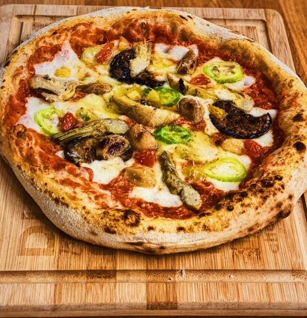 פיצה קוניליו ביאנקו