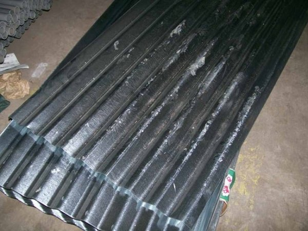 Corrugated iron sheets are galvanised. Image credit alibaba.com