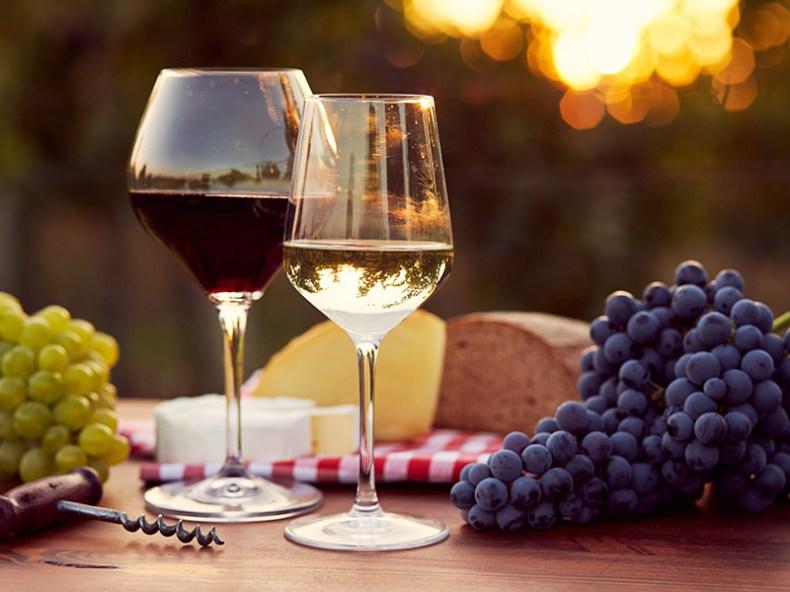 Taças e copos para festa de casamento vinho