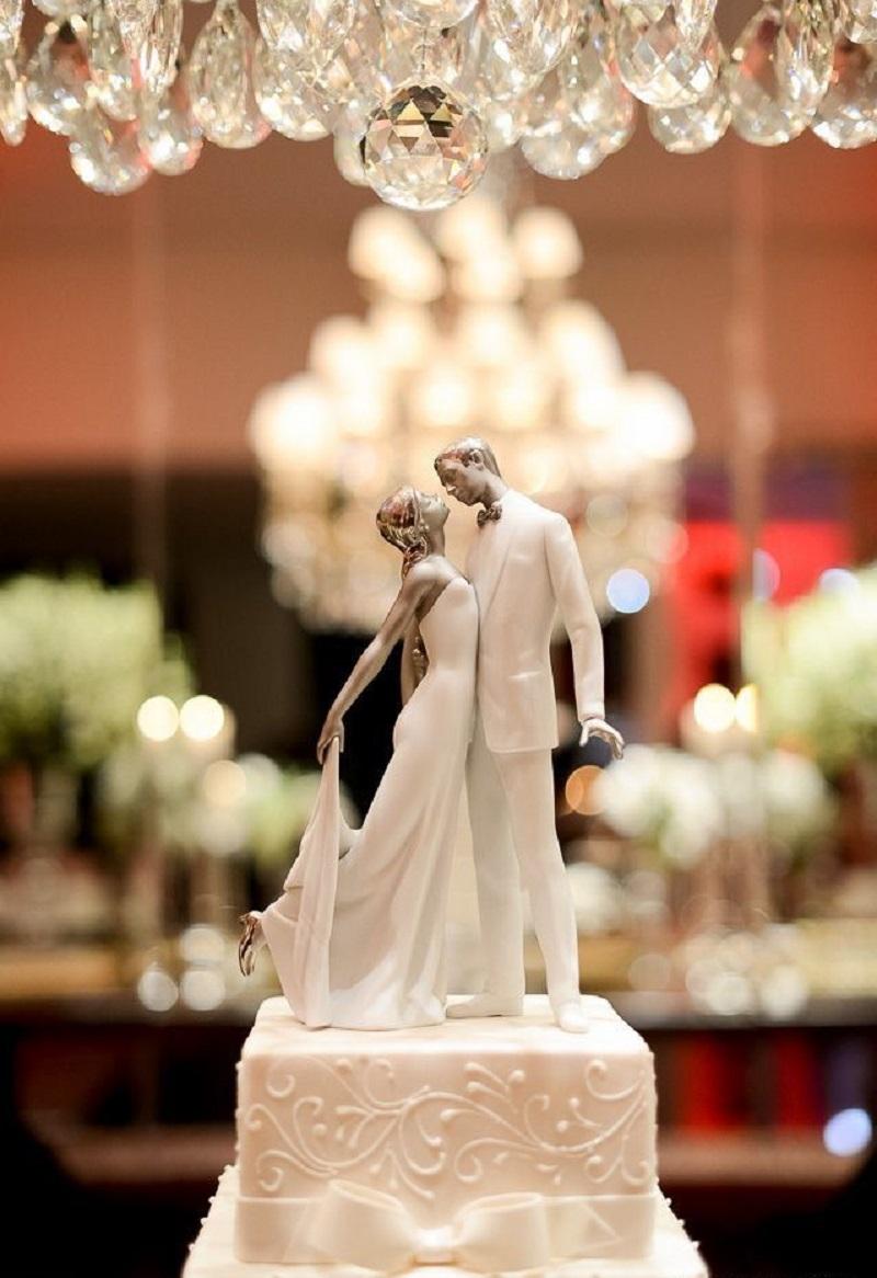 Topo de bolo de casamento  Como escolher o melhor modelo