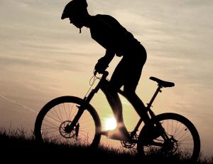 hd-heisengard-cyclist-uphill