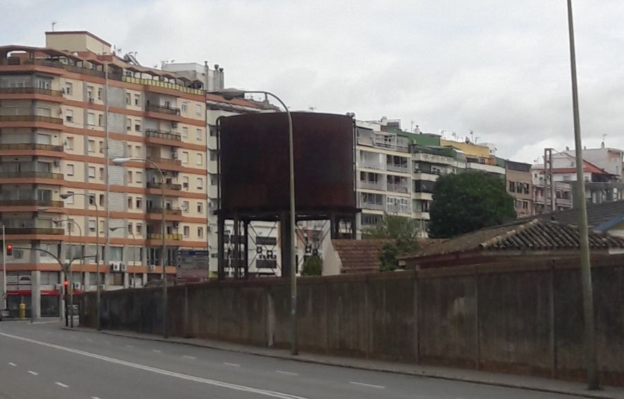 """Los Concejales No  Adscritos piden recuperar el depósito de agua de la Avenida de Italia y medidas para soterrar el tanque de tormentas cuando caiga """"el muro de la vergüenza"""""""