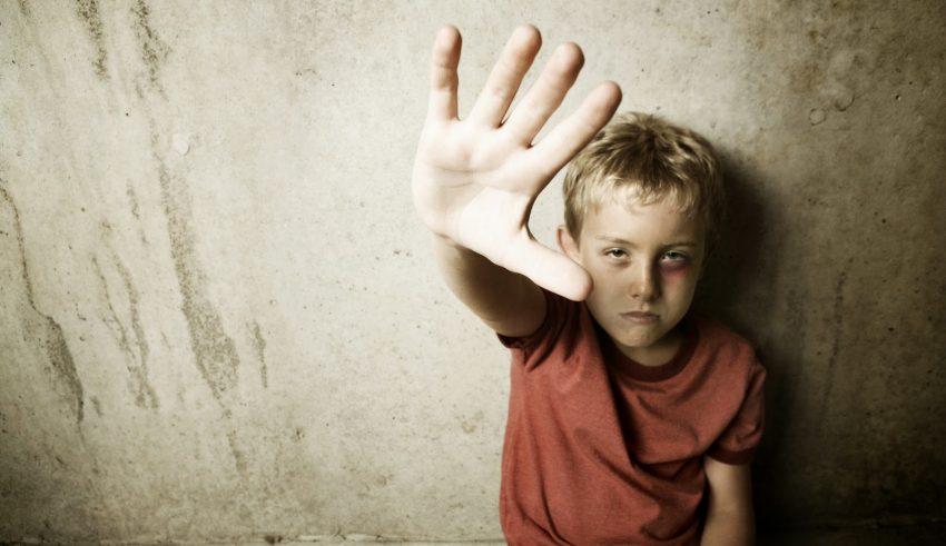 De cuando se maltrata a la infancia: aportar un decálogo de reflexiones fundamentadas