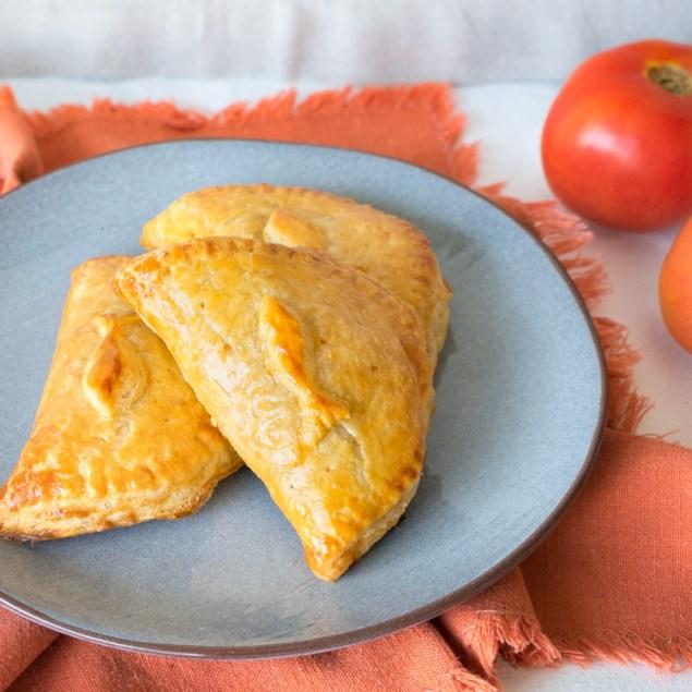 Empanadas de atún y alcaparras, receta de revista Maria Orsini