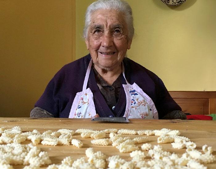 pasta grannies, las abuelitas italianas que nos enseñan a hacer pasta casera