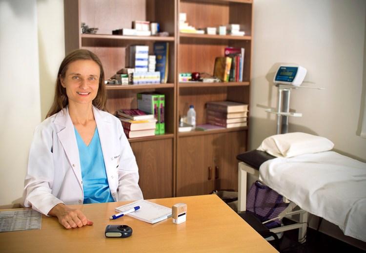 Marina Drozdowski: Médica dermatóloga (MN 126.013), Clínica Adventista Belgrano, Buenos Aires, Rep. Argentina.
