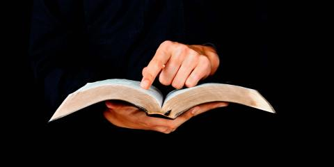 Revista Adventista - La Biblia - Potabilizador por excelencia