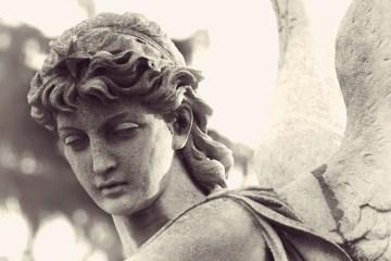 RA Octubre 2017 - Brújula - Todos somos ángeles