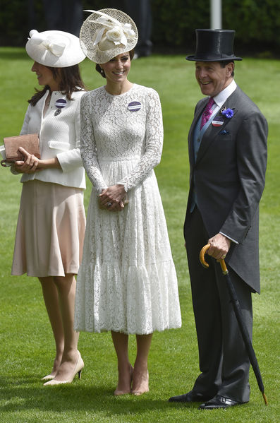 Kate Middleton Robes Cout 2016 111 c3a03