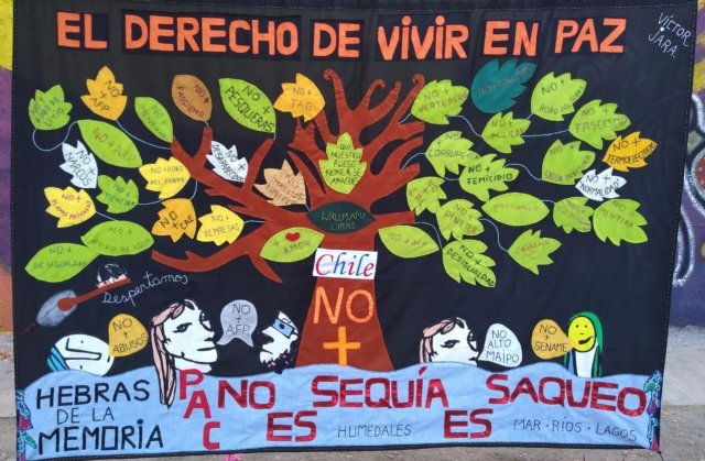 Hebras de la memoria. El derecho de vivir en paz - Threads of memory. The right to live in peace.