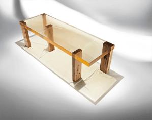 Mesa de centro por la galería Gabrielle Ammann en la feria Collective Design 2015.