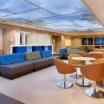 Diseño de interiores de la sala de urgencias para adultos mayores en Clínica del Country por Nicolás Benavides de Rodrigo Samper y Cia. Finalista en la categoría de espacios interiores, de los Premios Lápiz de Acero 2015.