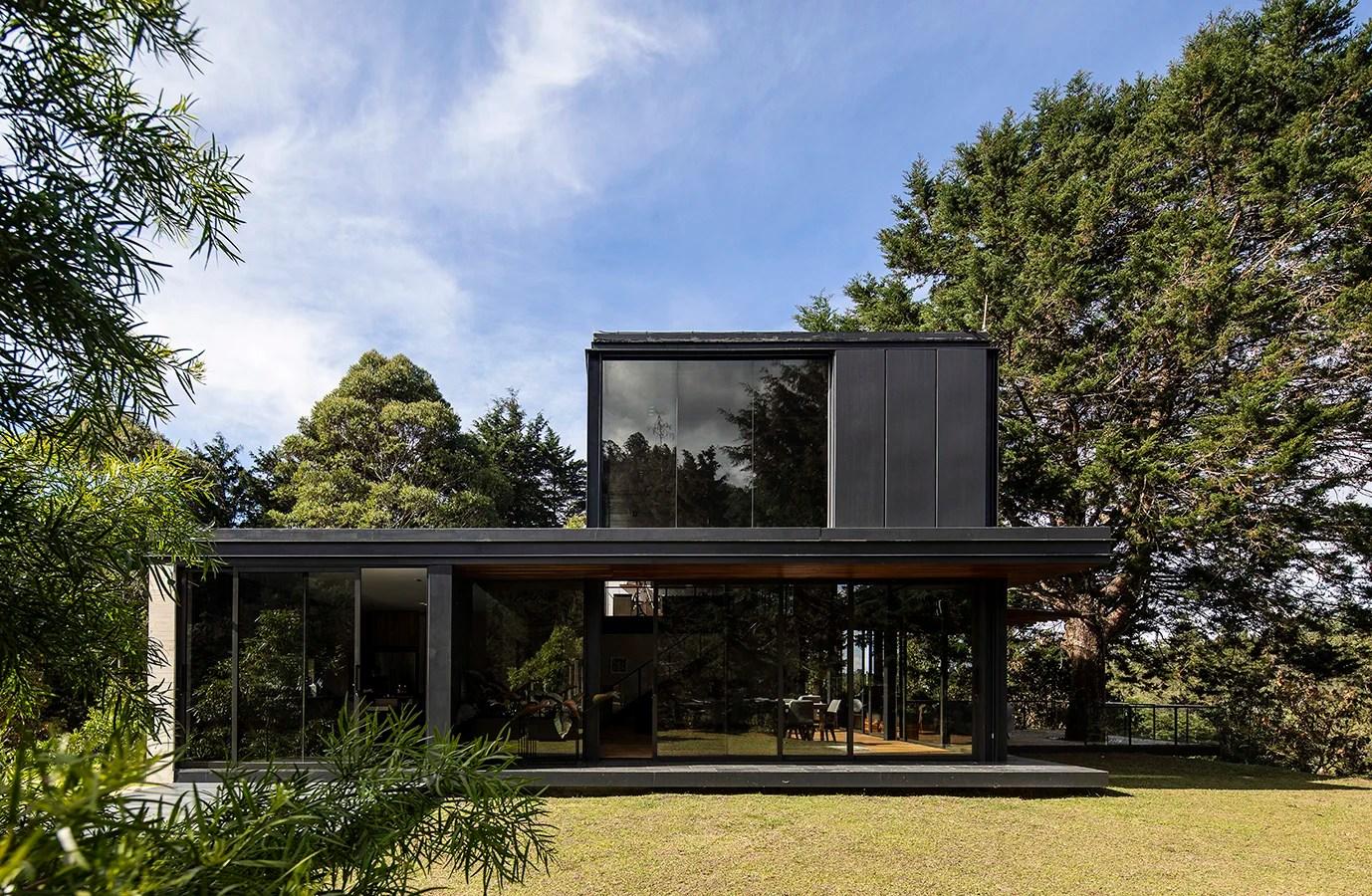 Arquitectura moderna en las montaas antioqueas
