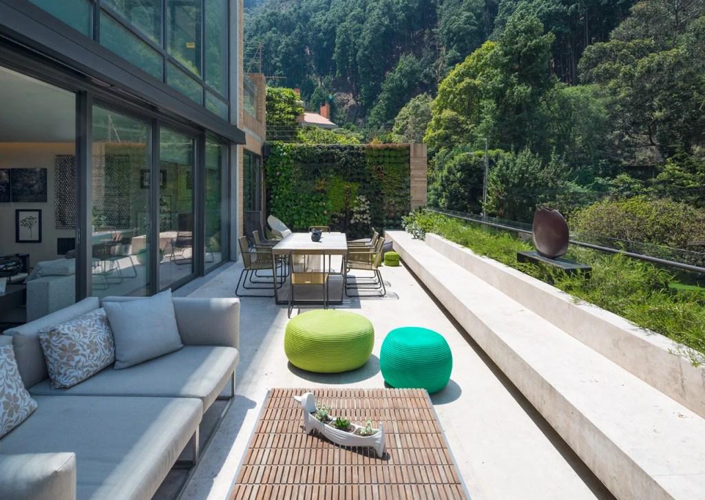 espacios arquitectónicos colombianos rodeados de naturaleza